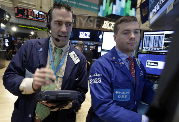US stocks edge lower after a six-day rally