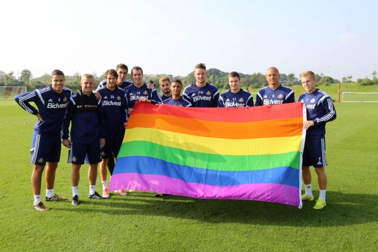 Sunderland players support an anti-homophobia campaign in 2014 (Getty)