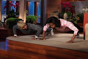Michelle Obama Wins Push-Up Contest Against Ellen DeGeneres!