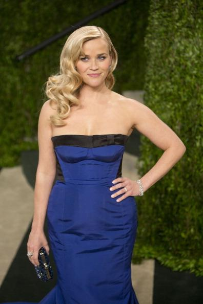 Reese Witherspoon May Appear In, Produce 'The Engagements'