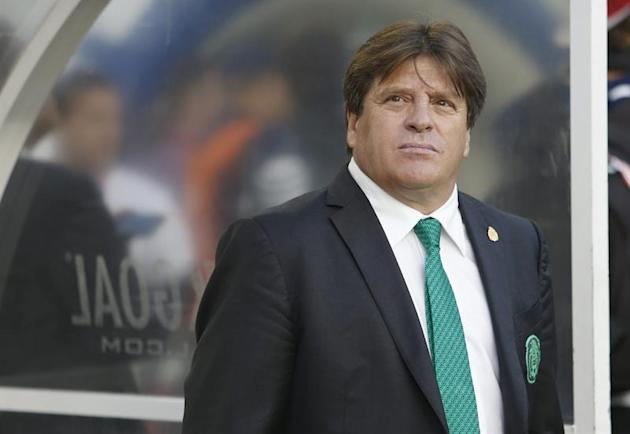 MMD. Santa Clara (United States), 06/09/2014.- Mexico head coach Miguel Herrera on the sidelines before the start of the game against Chile during a friendly match at Levi's Stadium in Santa Clara, Ca