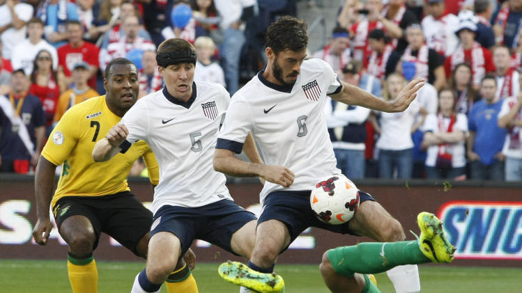 Zusi, Altidore lift US to 2-0 victory over Jamaica