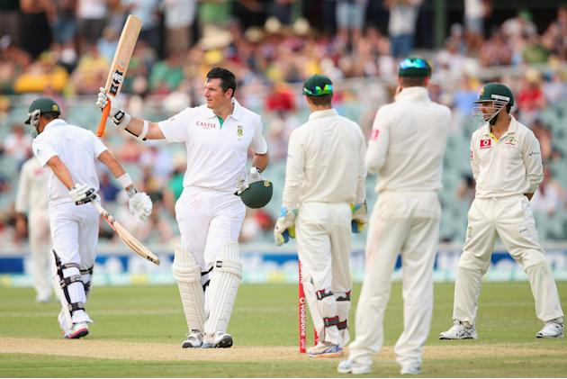 ADELAIDE, AUSTRALIA - NOVEMBER 23:  South African Graeme Smith celebrates scoring a century during day two of the Second Test match between Australia and South Africa at Adelaide Oval on November 23,