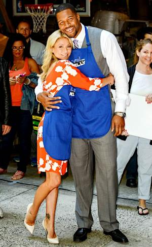 Kelly Ripa Expected to Announce Michael Strahan as Cohost: Report
