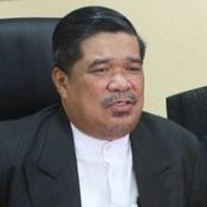 Mat Sabu sues Utusan over communist reports