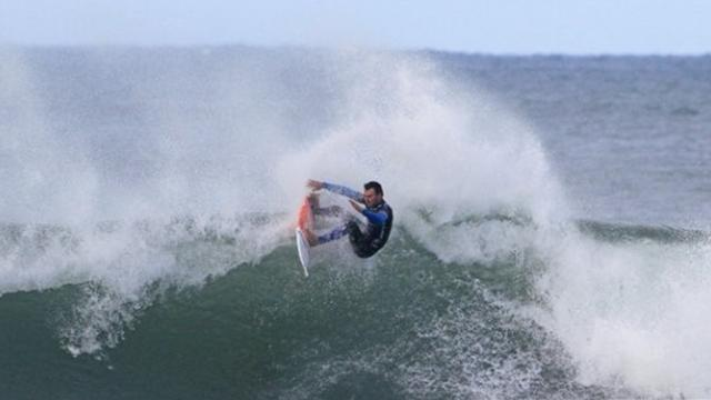 Surfing - Parkinson suffers shock setback
