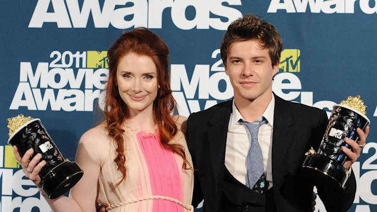 2011 MTV Movie Awards Backstage Bryce Dallas Howard Xavier Samuels