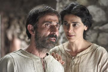 Shaun Toub as Joachim and Hiam Abbass as Anna in New Line Cinema's The Nativity Story
