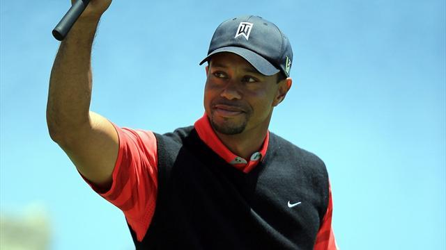 Golf - Woods wins at Bay Hill to reclaim world number one spot