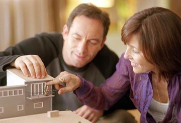 Jason Isaacs and Catherine Keener in Sony Pictures Classics' Friends With Money