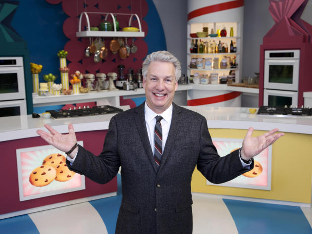"In this 2014 photo provided by the Food Network, judge and host, Marc Summers, poses for a portrait on set during the filming of Food Network's ""Rewrapped,"" Season 1, in Montclair, N.J."