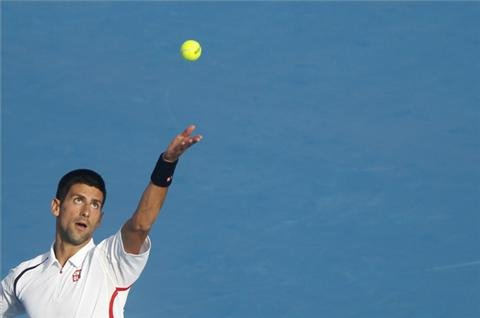 Djokovic cruises to Abu Dhabi final