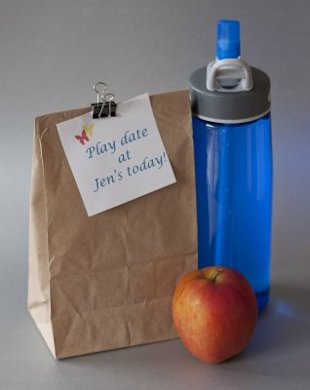 Play date note on brown bag lunch helps kids get-up-and-go
