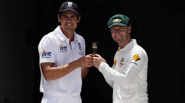 Alastair Cook, Michael Clarke (Reuters)