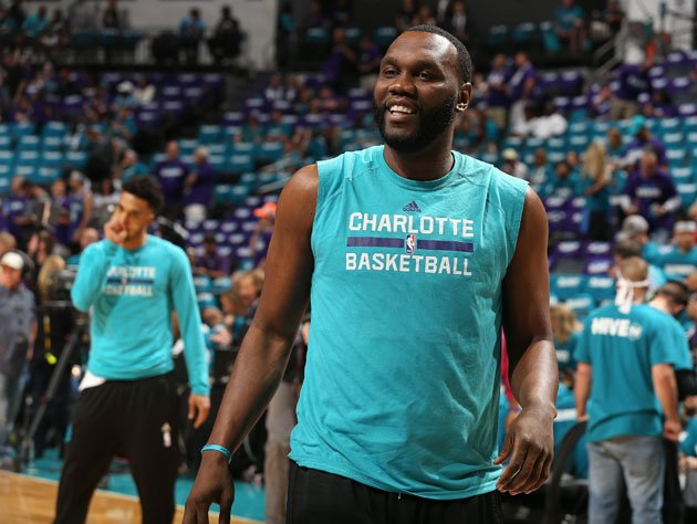 Al Jefferson warms up. (Getty Images)