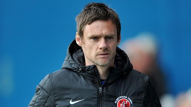 Football - Allen pens new Fleetwood deal