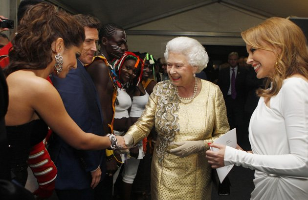 Cheryl Cole, Queen, backstage, Diamond Jubilee Concert