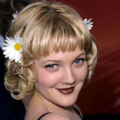 Drew Barrymore, the Queen of the 90's brown lipstick! Love it!