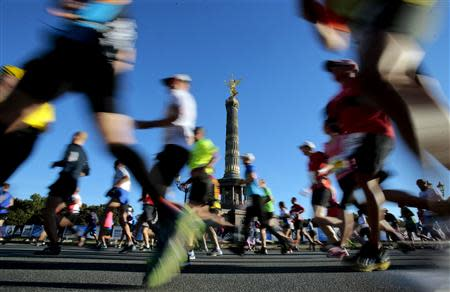 Runners compete in the 40th Berlin marathon