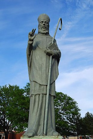 Estatua de San Malaquías (Patricia Drury - Wikimedia Commons)