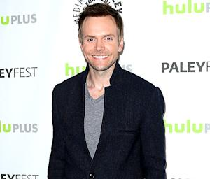 "Joel McHale Addresses Gay Rumors: ""I Take It as a Compliment"""