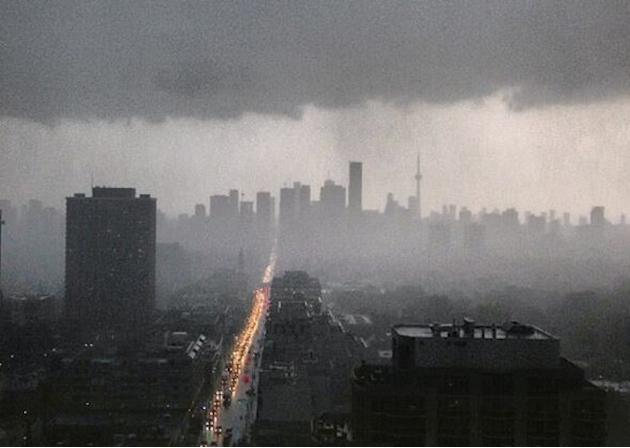 What The Insane Ice Storm Crippling Toronto Looks Like