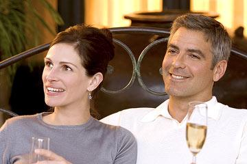 Julia Roberts and George Clooney in Warner Bros. Ocean's Twelve