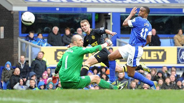 Football - Latics power into last four