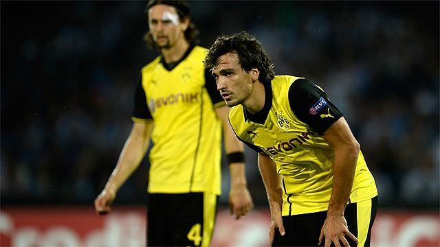 Bundesliga - Dortmund's Hummels out for months, Schmelzer misses derby