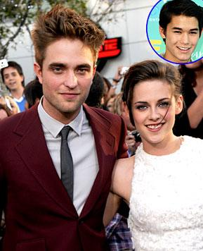 "Costar: Kristen Stewart, Rob Pattinson's Wedding Scene ""Really Touching"""