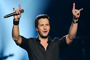 Luke Bryan Announces Stadium Shows