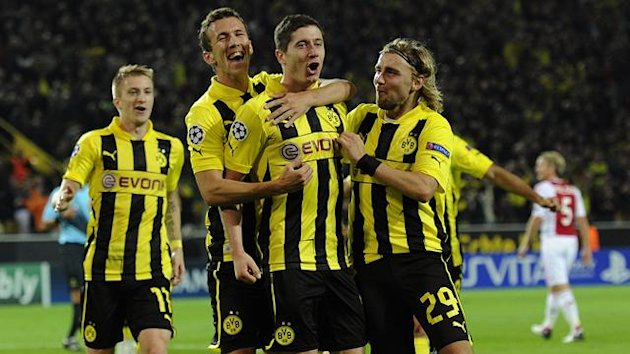 Dortmunds Marco Reus (L-R), Ivan Perisic, Robert Lewandowski and Marcel Schmelzer