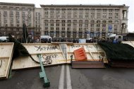 A street is blocked in Kiev December 2, 2013. REUTERS/Vasily Fedosenko