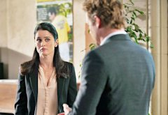 Robin Tunney and Simon Baker | Photo Credits: Colleen Hayes/Warner Bros.