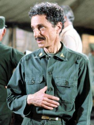 Allan Arbus, the Psychiatrist on TV's 'M*A*S*H,' Dies at 95