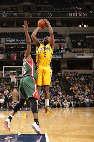 INDIANAPOLIS, IN - MARCH 12: Rodney Stuckey #2 of the Indiana Pacers shoots against Khris Middleton #22 of the Milwaukee Bucks on March 12, 2015 at Bankers Life Fieldhouse in Indianapolis, Indiana. (Photo by Ron Hoskins/NBAE via Getty Images)