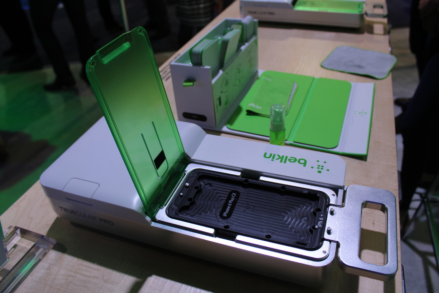Hands On With Belkins Trueclear Pro Advanced Screen Care [CES 2015] image IMG 4206 900x600