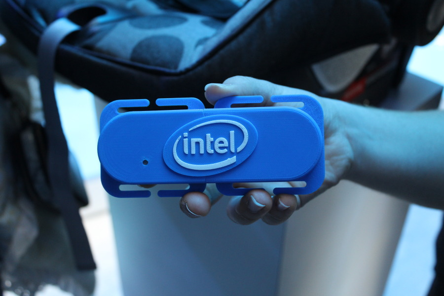 Intel Smart Clip Makes Sure You Never Forget Baby In The Car [CES 2015] image IMG 4287 900x600
