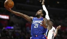 NBA》「洛城大鎖」接受膝蓋手術 本季恐報銷
