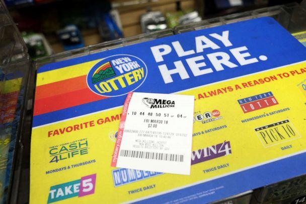 PHOTO: The Mega Millions lotto drawing is up to $521 million, March 30, 2018. (Emilie Richardson/ABC News)