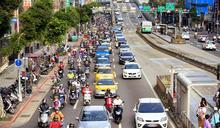 單手騎車危險嗎?法院初一十五不一樣!