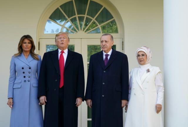 特朗普无视弹each威胁欢迎土耳其总统加入白宫