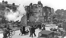 歷史上的今天》9月7日──「保持冷靜,繼續前進」倫敦陷入納粹空軍狂轟濫炸