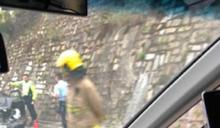 清水灣道小巴與私家車相撞 7人受傷送院