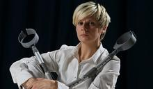 英國身障表演藝術家 克萊兒.康寧漢 坦然面對自己的限制