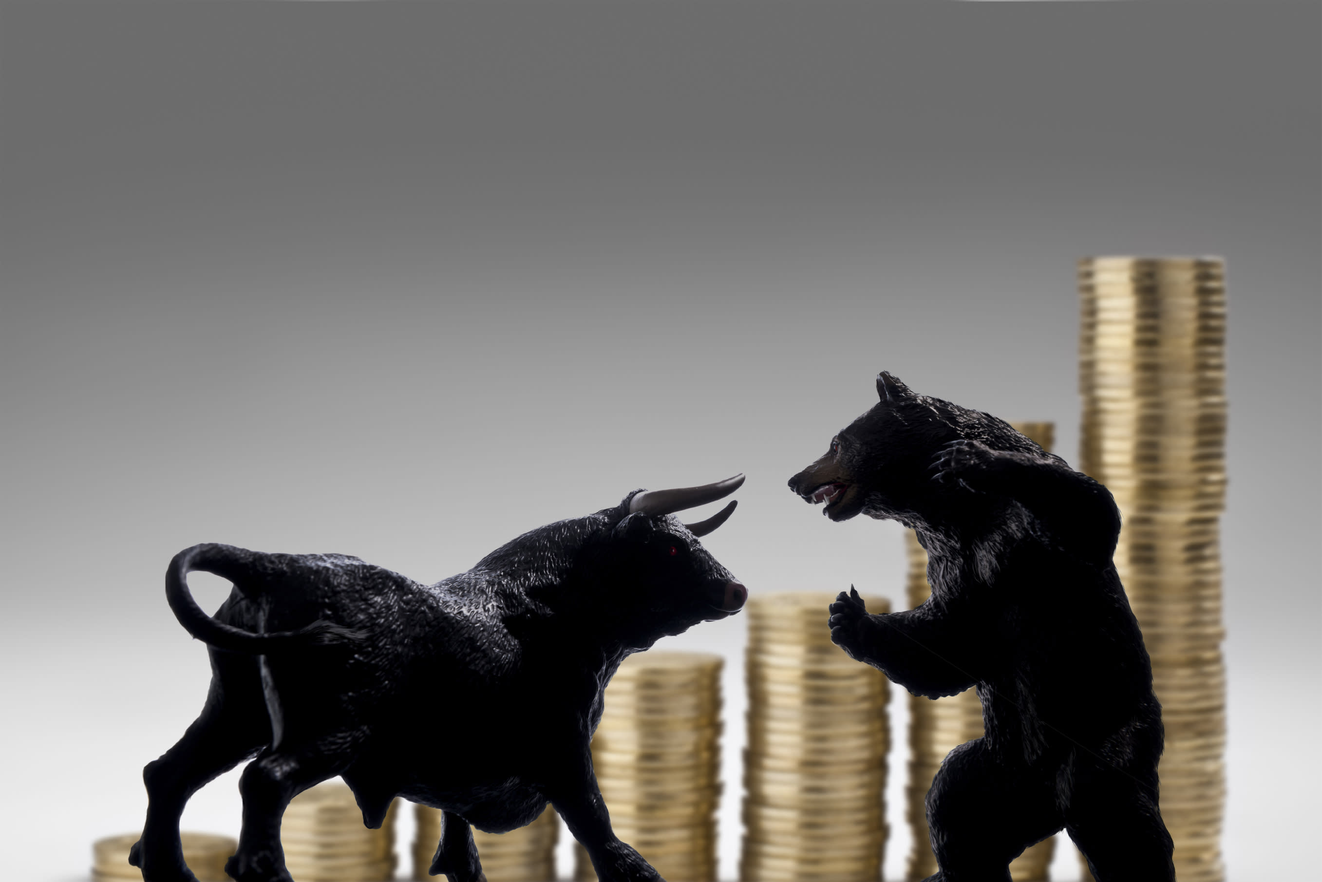 存股族必看!金融股跟ETF誰比較賺?