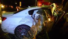 「千萬」保一條命 酒駕自撞電線桿白色瑪莎拉蒂房車全毀