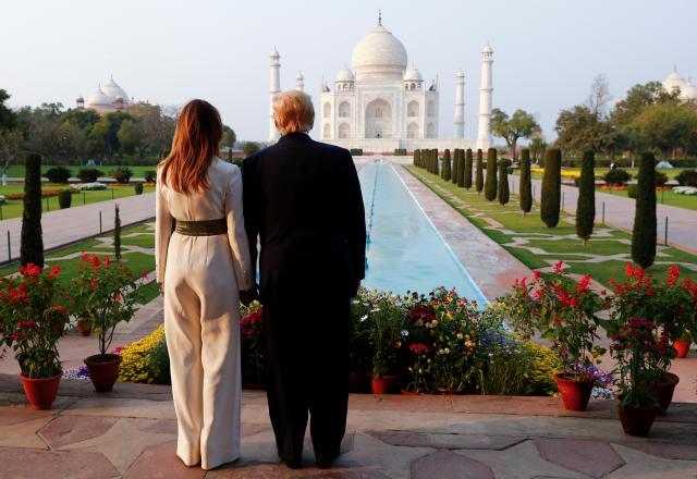 Donald und Melania Trump konnten das Taj Mahal ohne das übliche Getümmel bestaunen (Bild: Reuters/Al Drago)