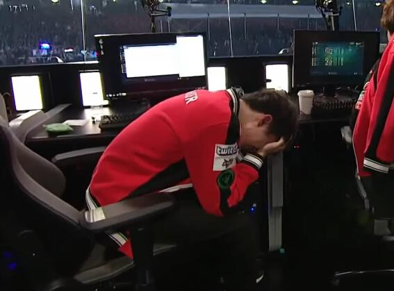SSG 奪冠後,大魔王 Faker 流下遺憾的淚水